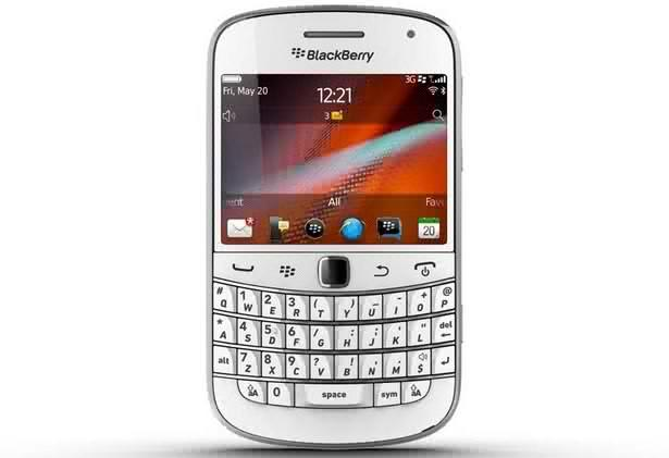 BlackBerry Bold 9900 White Smartphone Now in India