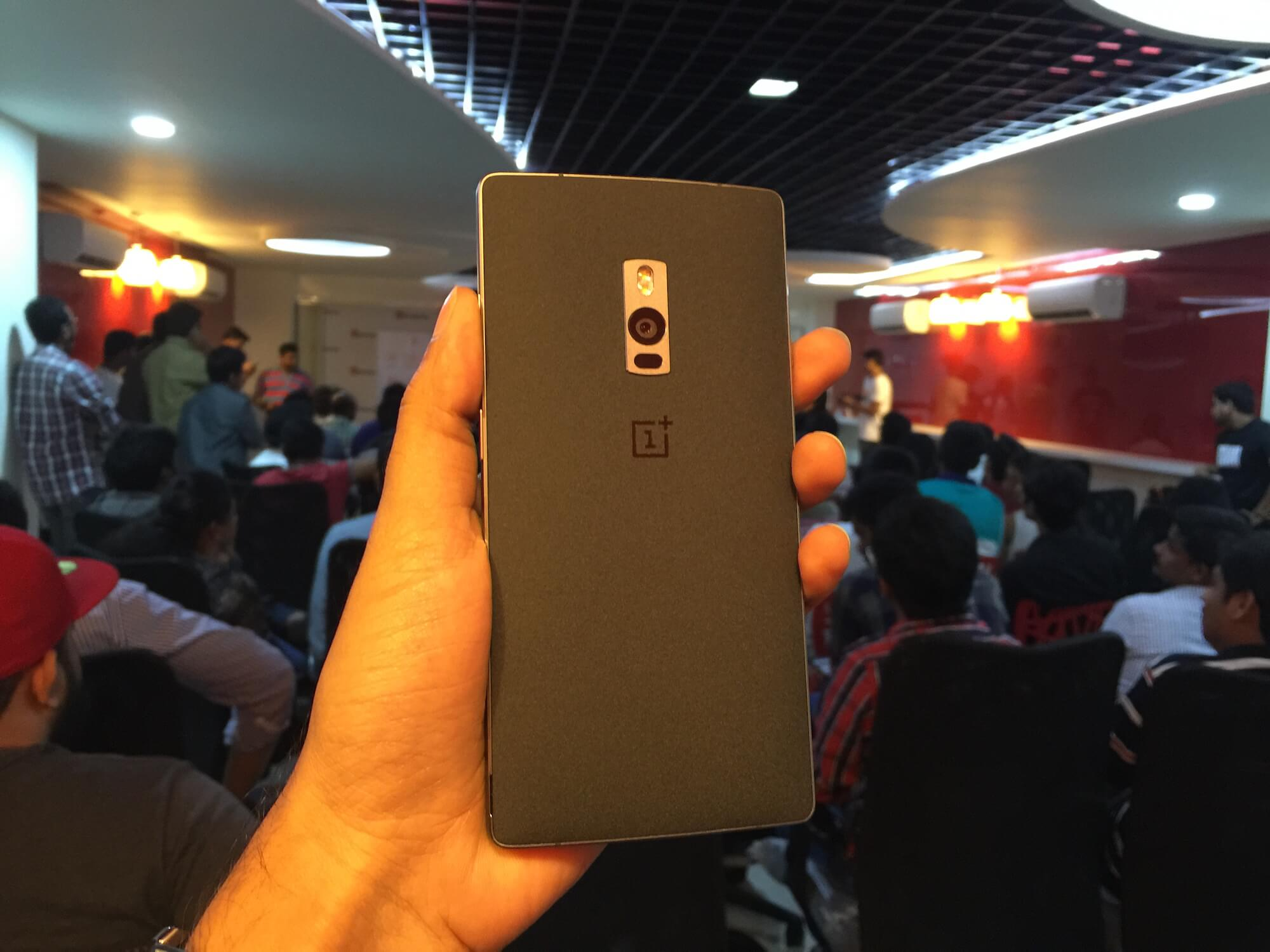 OnePlus 2 Hand's On - Back