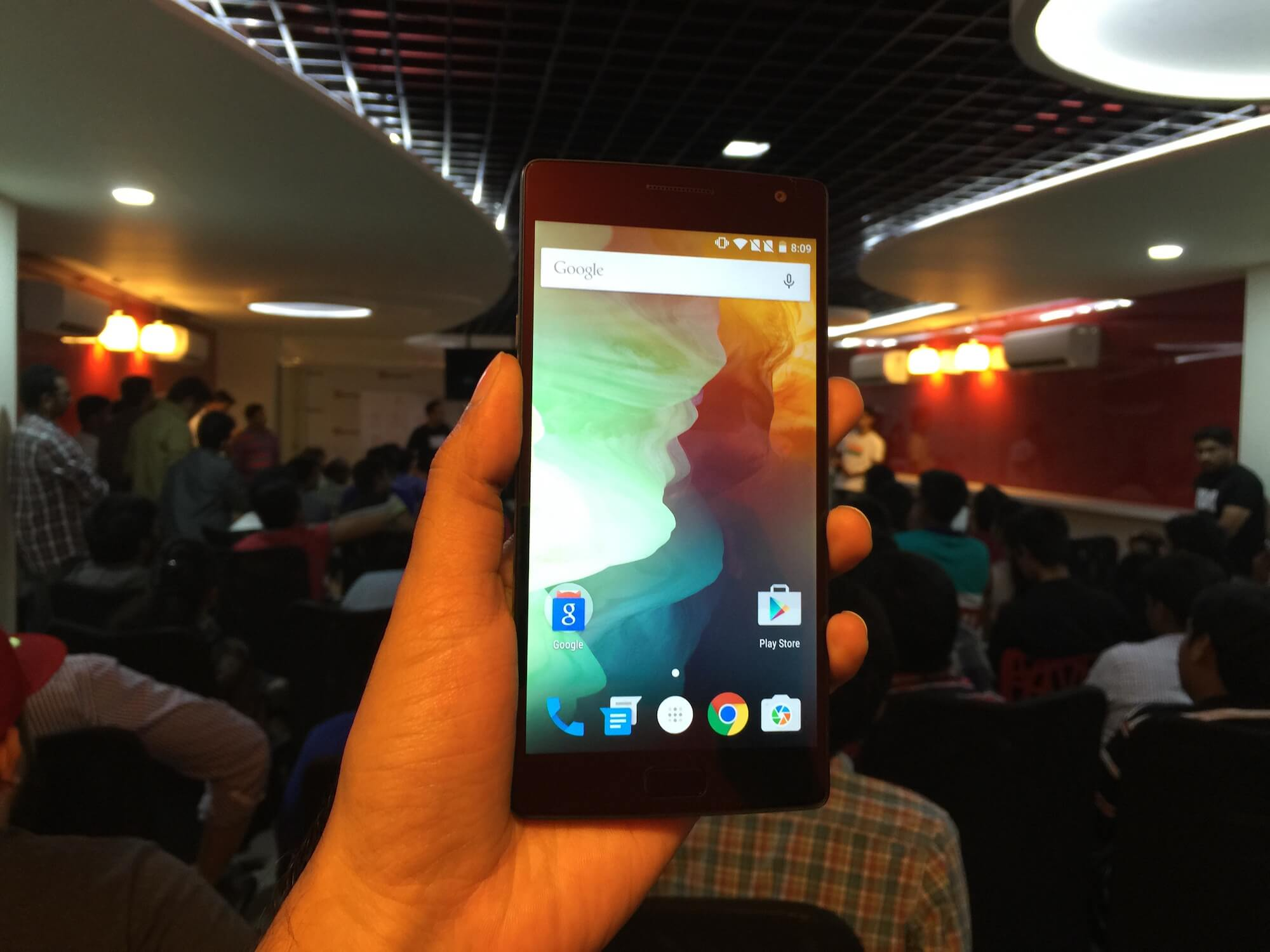 OnePlus 2 Hand's On - Front