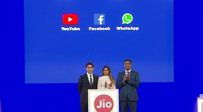 jio-youtube-fb-whatsapp-jio-phone
