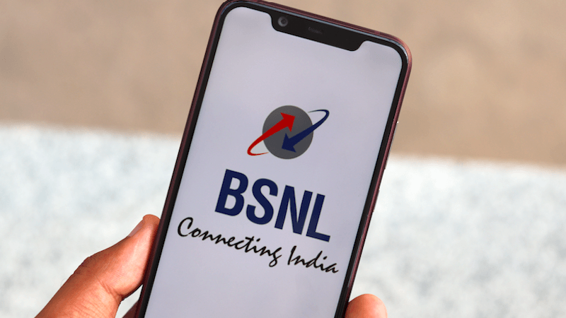 bsnl-subscribers-hold-sim
