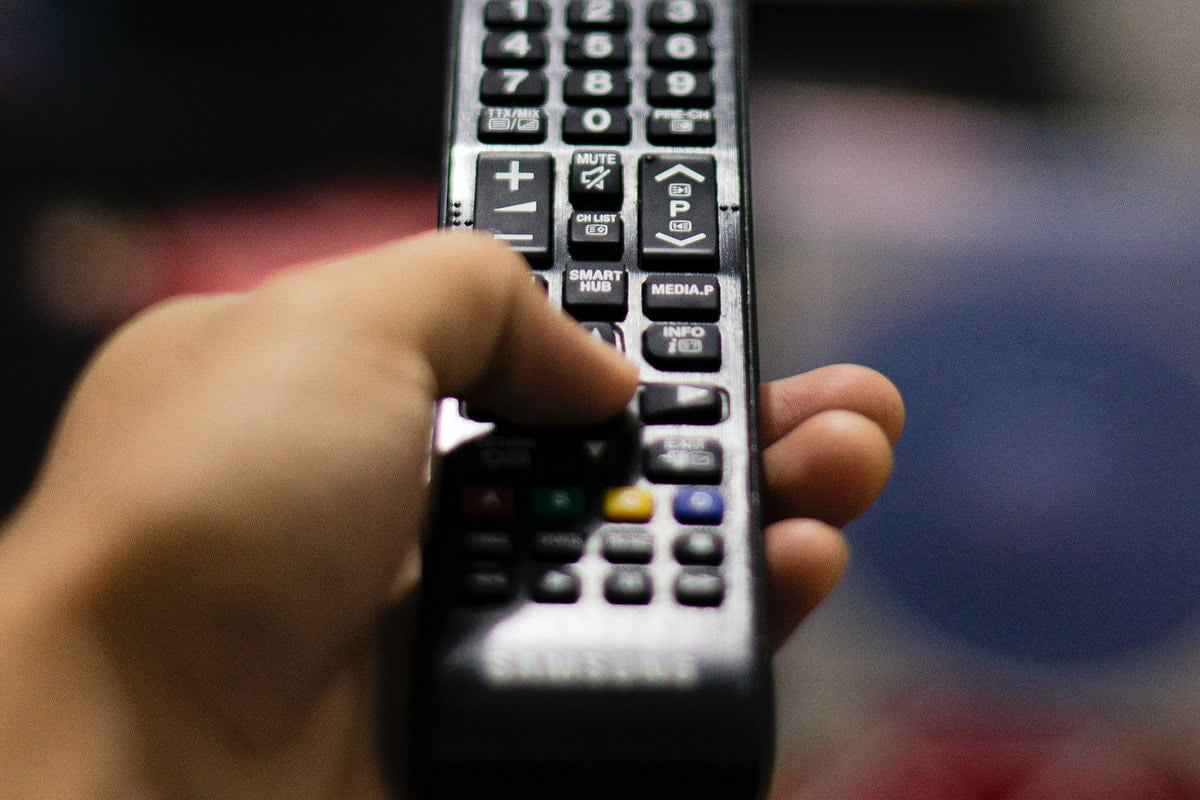 dth-or-cable-tv-what-to-choose