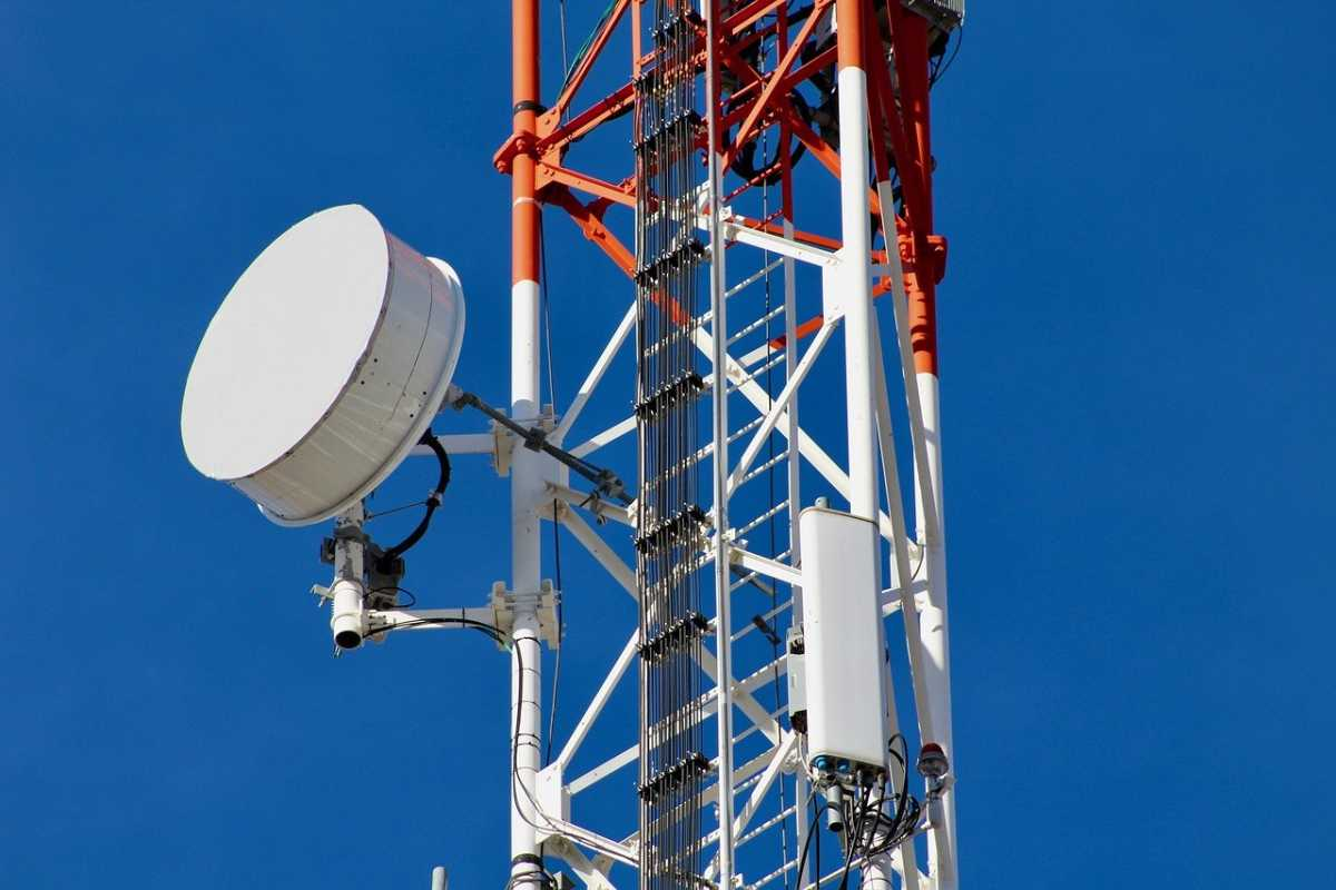 government-brings-clause-gear-isps