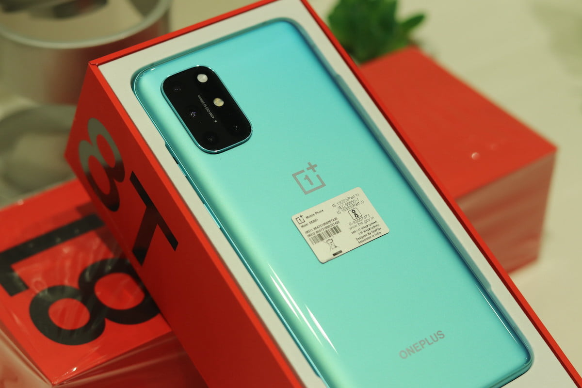 OnePlus 8T Gets First Open Beta Update
